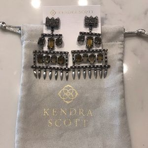 Kendra Scott Emmylou Earrings.